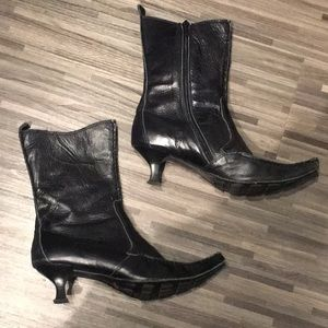 Moda Fusion Black Leather Heeled Boots - Size 6.5